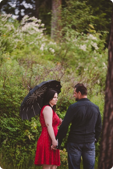 Kelowna-engagement-session_farmhouse_lake-portraits_83_by-Kevin-Trowbridge