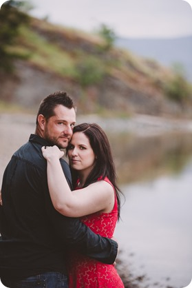 Kelowna-engagement-session_farmhouse_lake-portraits_87_by-Kevin-Trowbridge