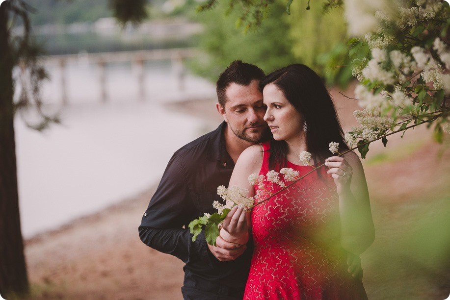 Kelowna-engagement-session_farmhouse_lake-portraits_89_by-Kevin-Trowbridge