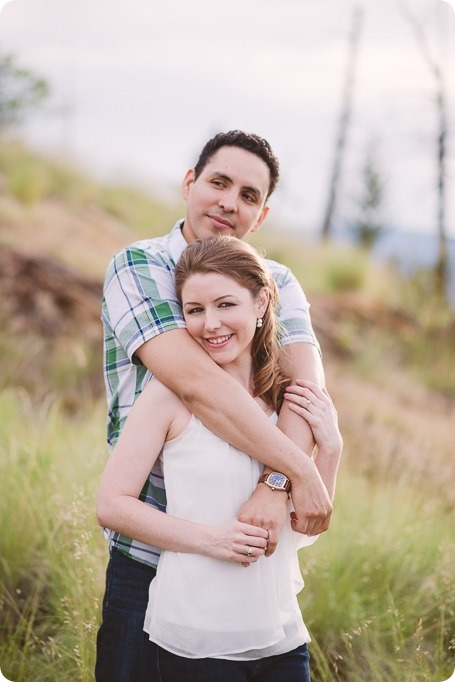 Kelowna-engagement-session_fondue-picnic_Bertram-Beach-Park_sunset_26_by-Kevin-Trowbridge