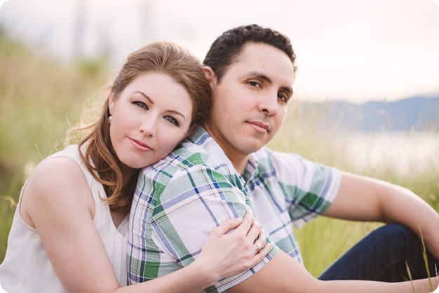 Kelowna-engagement-session_fondue-picnic_Bertram-Beach-Park_sunset_30_by-Kevin-Trowbridge