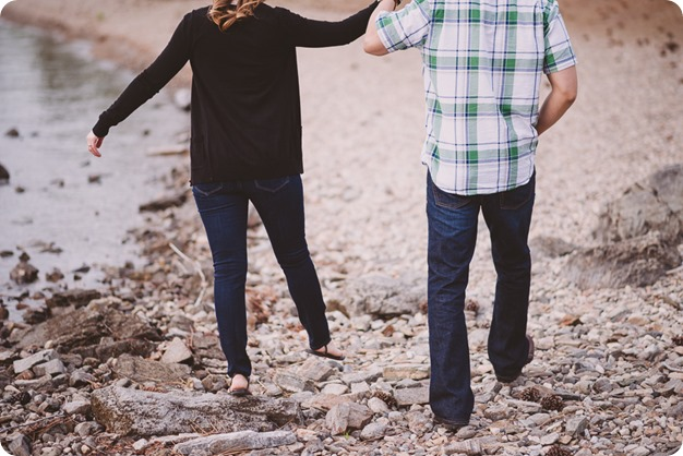 Kelowna-engagement-session_fondue-picnic_Bertram-Beach-Park_sunset_33_by-Kevin-Trowbridge