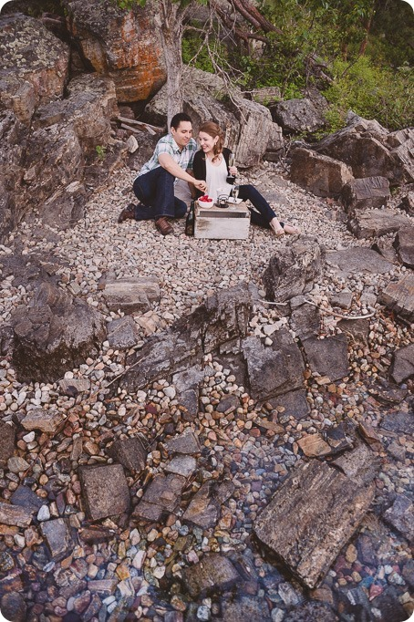 Kelowna-engagement-session_fondue-picnic_Bertram-Beach-Park_sunset_58_by-Kevin-Trowbridge