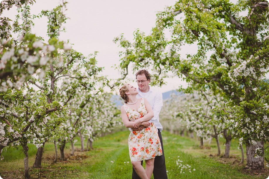 Kelowna-engagement-session_orchard-blossom_croquet-portraits_vintage-floral-dress_39_by-Kevin-Trowbridge
