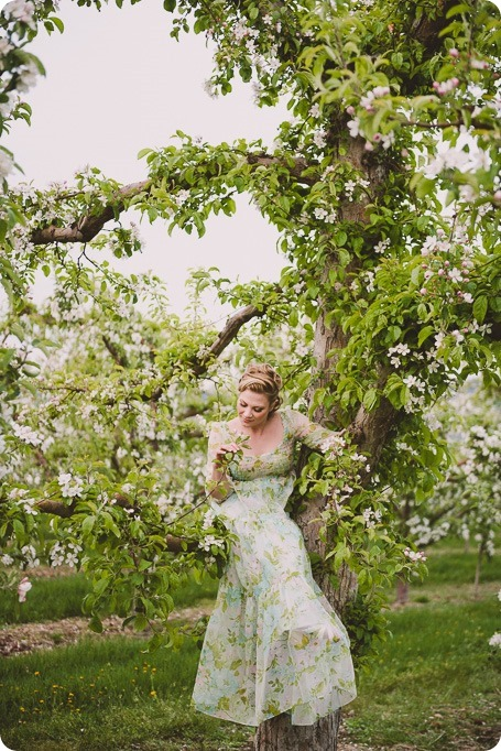 Kelowna-engagement-session_orchard-blossom_croquet-portraits_vintage-floral-dress_72_by-Kevin-Trowbridge