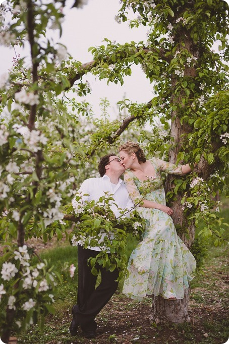 Kelowna-engagement-session_orchard-blossom_croquet-portraits_vintage-floral-dress_73_by-Kevin-Trowbridge