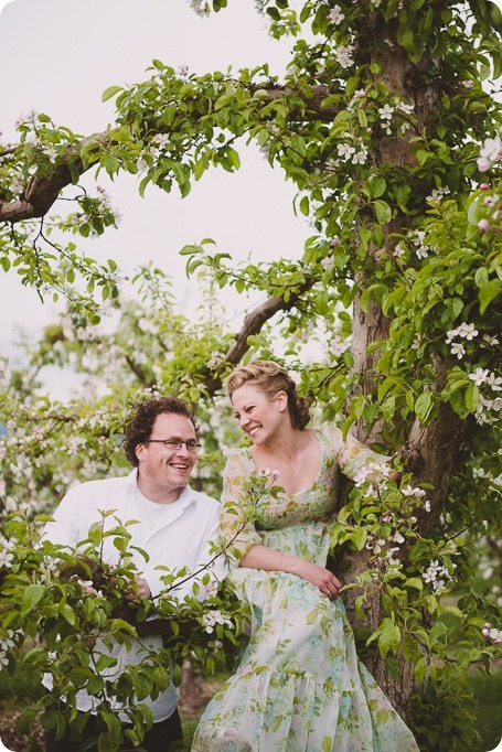 Kelowna-engagement-session_orchard-blossom_croquet-portraits_vintage-floral-dress_74_by-Kevin-Trowbridge