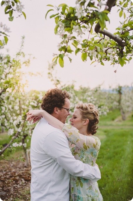 Kelowna-engagement-session_orchard-blossom_croquet-portraits_vintage-floral-dress_80_by-Kevin-Trowbridge