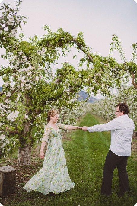 Kelowna-engagement-session_orchard-blossom_croquet-portraits_vintage-floral-dress_81_by-Kevin-Trowbridge