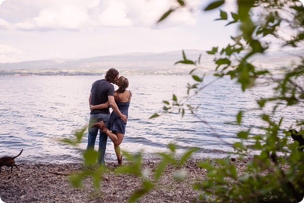 kelowna-engagement-session_lake-portraits_guitars20_by-Kevin-Trowbridge