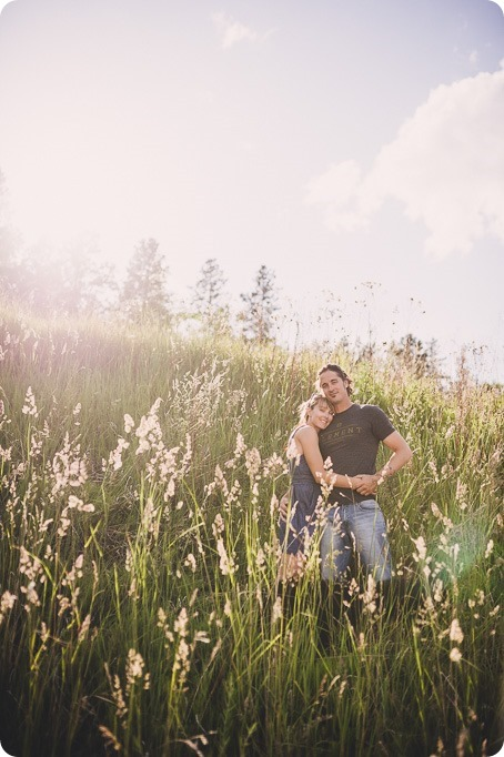 kelowna-engagement-session_lake-portraits_guitars37_by-Kevin-Trowbridge