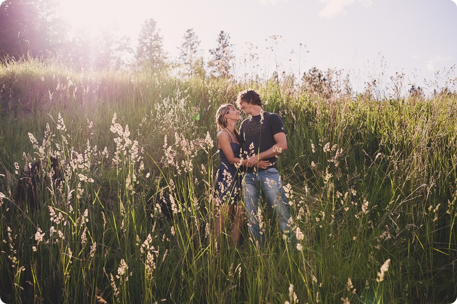 kelowna-engagement-session_lake-portraits_guitars39_by-Kevin-Trowbridge