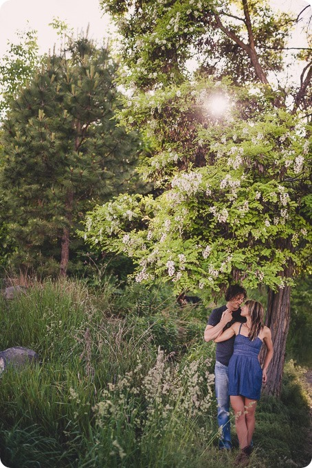 kelowna-engagement-session_lake-portraits_guitars44_by-Kevin-Trowbridge