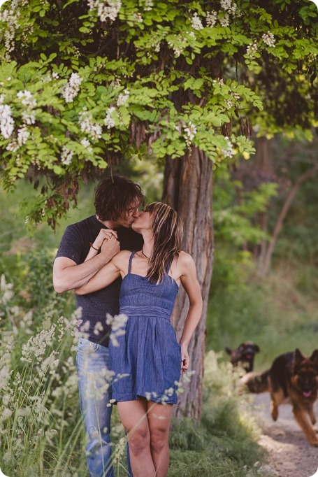 kelowna-engagement-session_lake-portraits_guitars45_by-Kevin-Trowbridge
