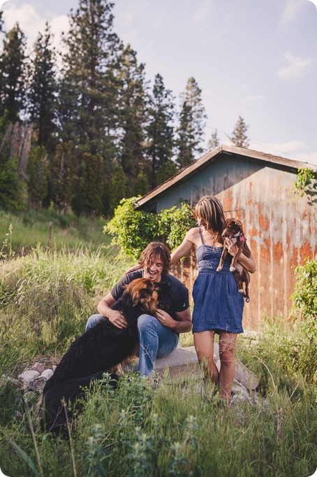 kelowna-engagement-session_lake-portraits_guitars53_by-Kevin-Trowbridge