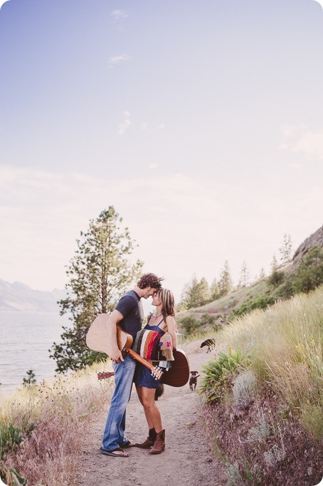 kelowna-engagement-session_lake-portraits_guitars57_by-Kevin-Trowbridge
