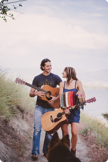 kelowna-engagement-session_lake-portraits_guitars59_by-Kevin-Trowbridge