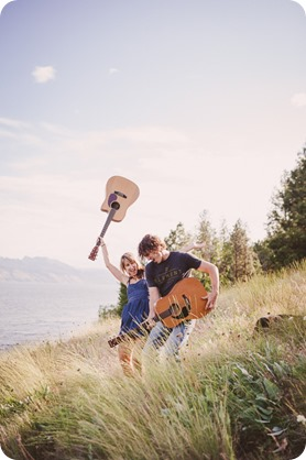 kelowna-engagement-session_lake-portraits_guitars63_by-Kevin-Trowbridge