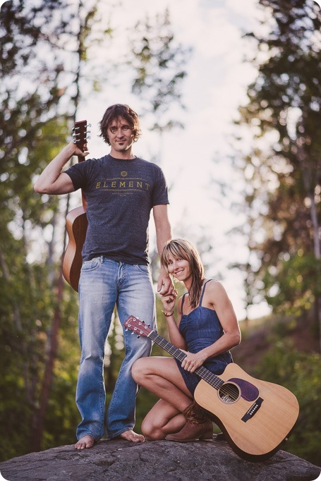 kelowna-engagement-session_lake-portraits_guitars65_by-Kevin-Trowbridge