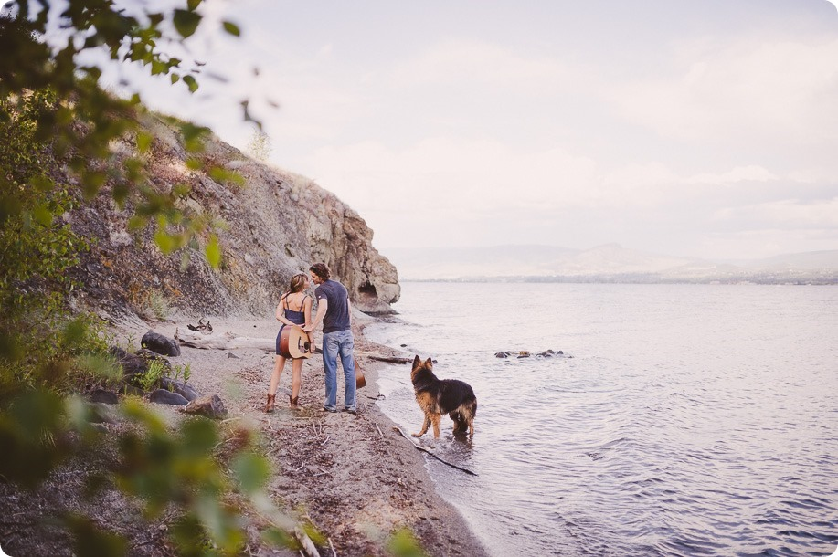 kelowna-engagement-session_lake-portraits_guitars66_by-Kevin-Trowbridge