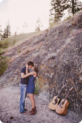 kelowna-engagement-session_lake-portraits_guitars68_by-Kevin-Trowbridge