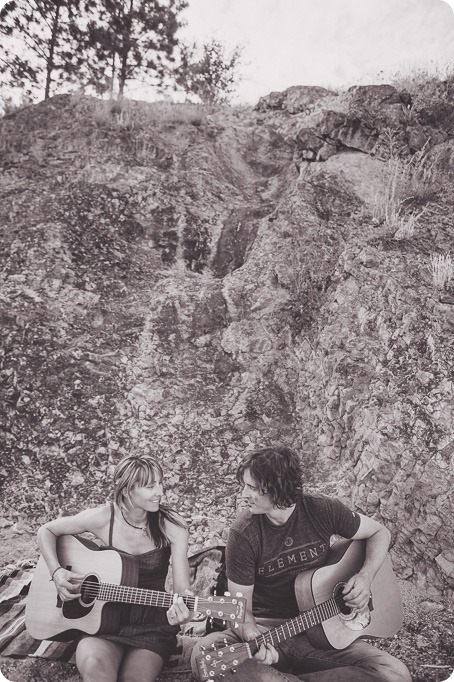 kelowna-engagement-session_lake-portraits_guitars83_by-Kevin-Trowbridge