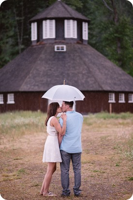 Fintry-engagement-session_Okanagan-beach-portraits_barn-wedding_05_by-Kevin-Trowbridge-photography_Kelowna