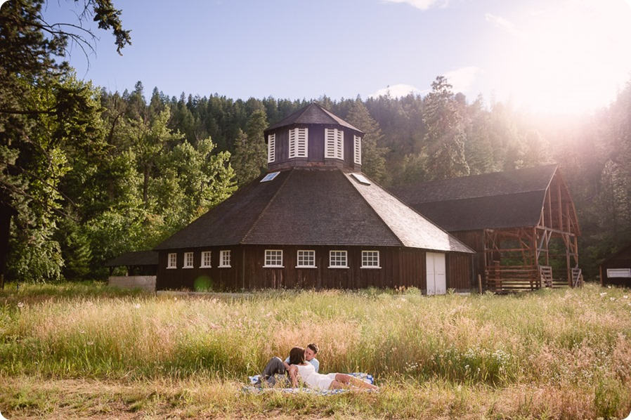 Fintry-engagement-session_Okanagan-beach-portraits_barn-wedding_119_by-Kevin-Trowbridge-photography_Kelowna