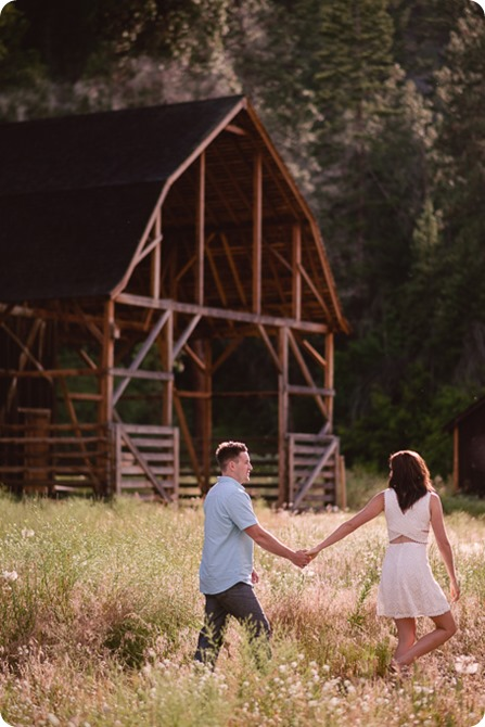 Fintry-engagement-session_Okanagan-beach-portraits_barn-wedding_133_by-Kevin-Trowbridge-photography_Kelowna