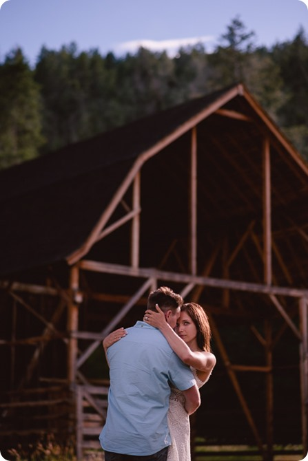 Fintry-engagement-session_Okanagan-beach-portraits_barn-wedding_137_by-Kevin-Trowbridge-photography_Kelowna