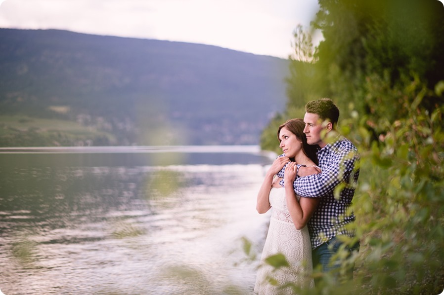 Fintry-engagement-session_Okanagan-beach-portraits_barn-wedding_245_by-Kevin-Trowbridge-photography_Kelowna
