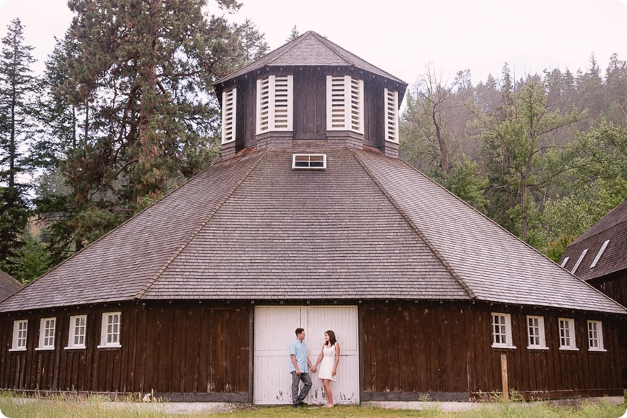 Fintry-engagement-session_Okanagan-beach-portraits_barn-wedding_73_by-Kevin-Trowbridge-photography_Kelowna