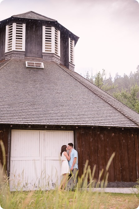 Fintry-engagement-session_Okanagan-beach-portraits_barn-wedding_75_by-Kevin-Trowbridge-photography_Kelowna