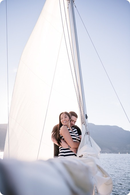Kelowna-engagement-session_nautical-boat-portraits-Okanagan-Lake-sailing-sunset_83332_by-Kevin-Trowbridge-photography_Kelowna