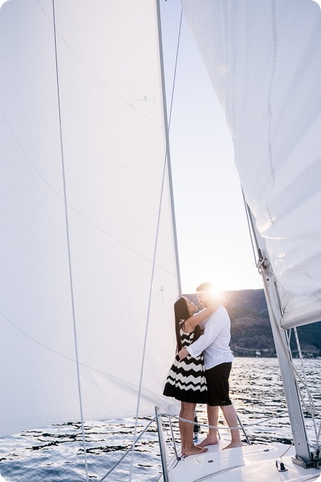 Kelowna-engagement-session_nautical-boat-portraits-Okanagan-Lake-sailing-sunset_83501_by-Kevin-Trowbridge-photography_Kelowna