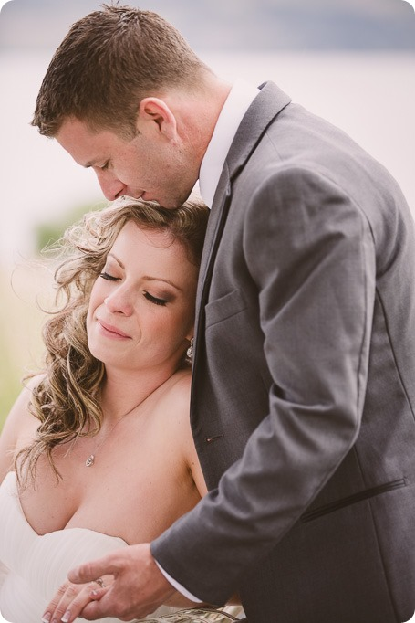 Kelowna-wedding-photographer_The-Cove-Lakeside-Resort_Gellatly-Nut-Farm_sparkler-exit__4325_by-Kevin-Trowbridge