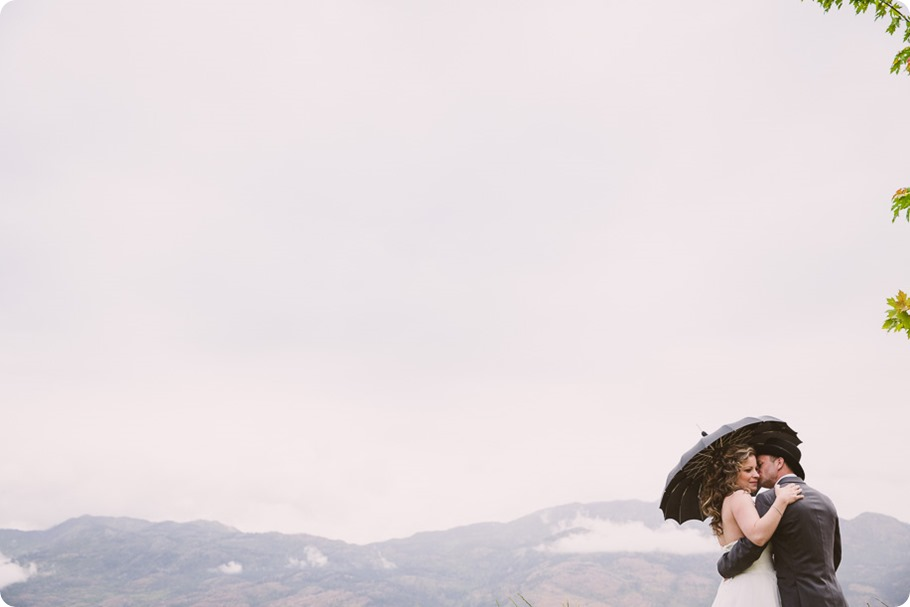 Kelowna-wedding-photographer_The-Cove-Lakeside-Resort_Gellatly-Nut-Farm_sparkler-exit__4342_by-Kevin-Trowbridge