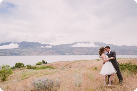 Kelowna-wedding-photographer_The-Cove-Lakeside-Resort_Gellatly-Nut-Farm_sparkler-exit__4372_by-Kevin-Trowbridge