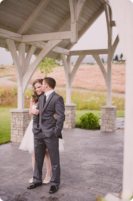 Kelowna-wedding-photographer_The-Cove-Lakeside-Resort_Gellatly-Nut-Farm_sparkler-exit__48324_by-Kevin-Trowbridge