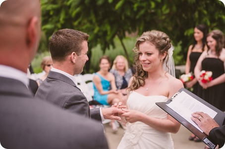 Kelowna-wedding-photographer_The-Cove-Lakeside-Resort_Gellatly-Nut-Farm_sparkler-exit__48626_by-Kevin-Trowbridge