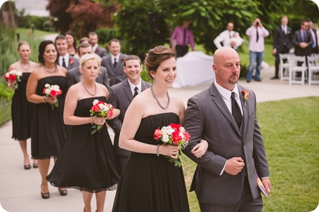 Kelowna-wedding-photographer_The-Cove-Lakeside-Resort_Gellatly-Nut-Farm_sparkler-exit__48718_by-Kevin-Trowbridge