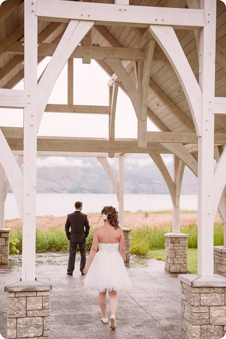 Kelowna-wedding-photographer_The-Cove-Lakeside-Resort_Gellatly-Nut-Farm_sparkler-exit__86622_by-Kevin-Trowbridge