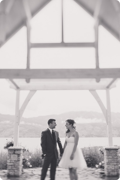Kelowna-wedding-photographer_The-Cove-Lakeside-Resort_Gellatly-Nut-Farm_sparkler-exit__86680_by-Kevin-Trowbridge-2