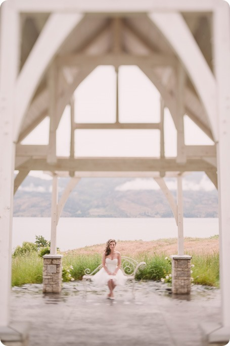 Kelowna-wedding-photographer_The-Cove-Lakeside-Resort_Gellatly-Nut-Farm_sparkler-exit__86690_by-Kevin-Trowbridge