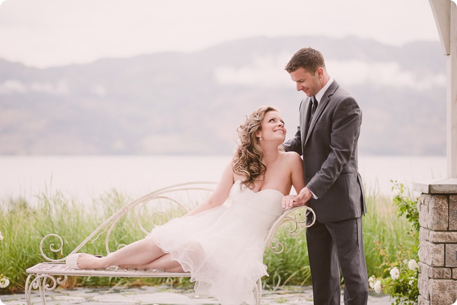 Kelowna-wedding-photographer_The-Cove-Lakeside-Resort_Gellatly-Nut-Farm_sparkler-exit__86713_by-Kevin-Trowbridge