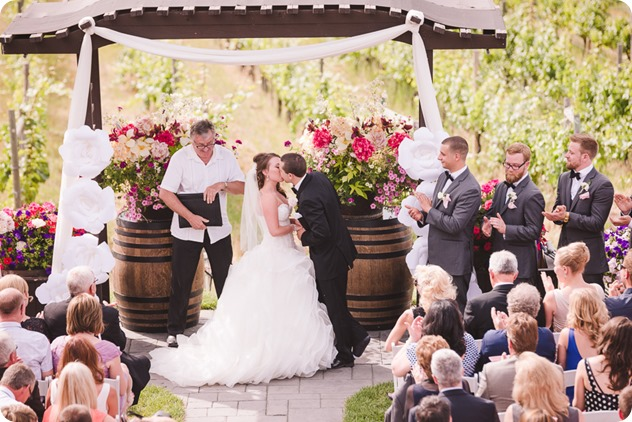 Summerhill-Winery-wedding_helicopter-Knox-Mountain_vintage-decor__163240_by-Kevin-Trowbridge