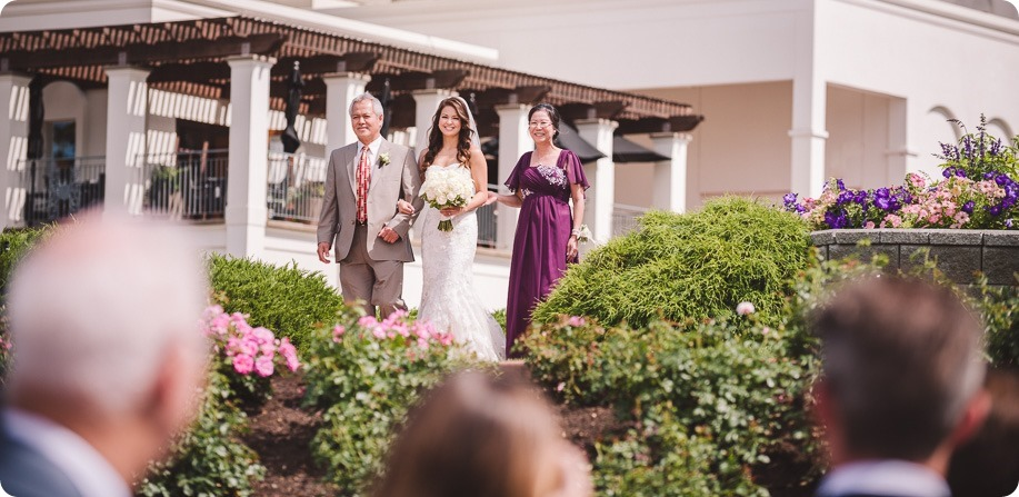 Cedar-Creek-wedding_Hotel-Eldorado-lake-portraits_150752_by-Kevin-Trowbridge