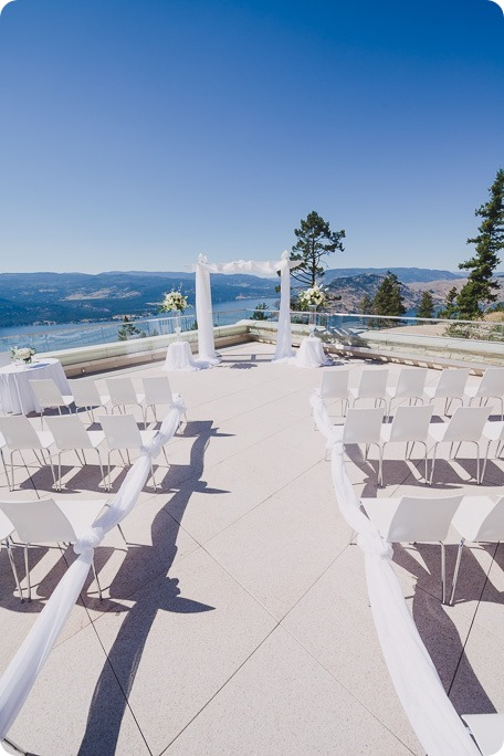 Sparkling-Hill-Resort-wedding_Chinese-Tea-Ceremony_Kalamalka-Lake-portraits_Okanagan-wedding-photographer-Kelowna-Vernon_160146_by-Kevin-Trowbridge