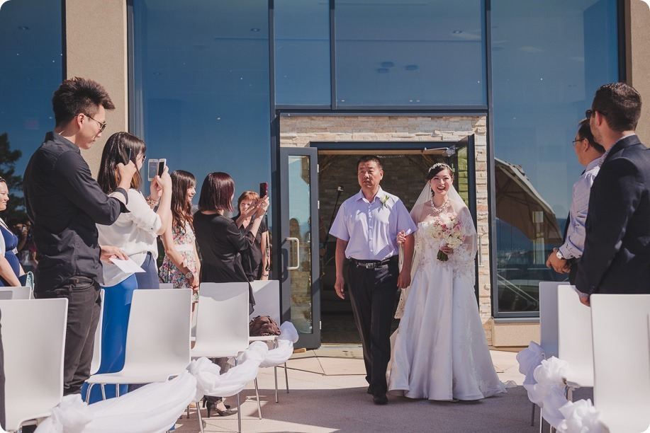 Sparkling-Hill-Resort-wedding_Chinese-Tea-Ceremony_Kalamalka-Lake-portraits_Okanagan-wedding-photographer-Kelowna-Vernon_161633_by-Kevin-Trowbridge