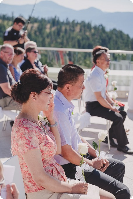 Sparkling-Hill-Resort-wedding_Chinese-Tea-Ceremony_Kalamalka-Lake-portraits_Okanagan-wedding-photographer-Kelowna-Vernon_162018_by-Kevin-Trowbridge